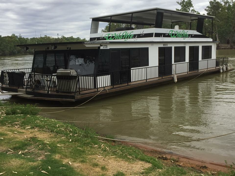 Wildlife Houseboat Paringa
