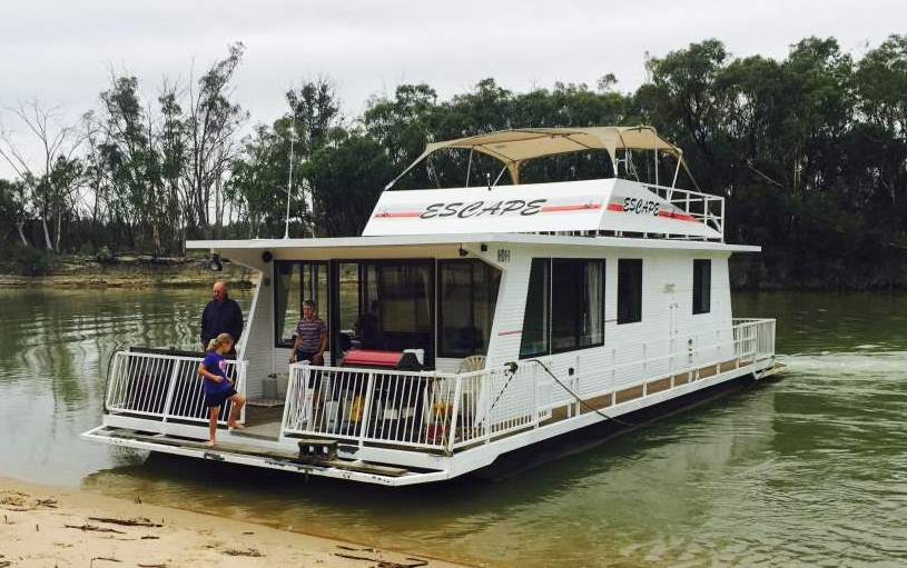 Escape Houseboat Paringa